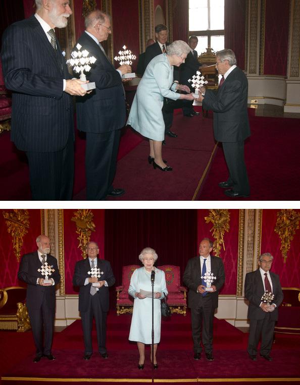 Vinton Cerf, Robert Kahn, Tim Berners-Lee et Marc Andreessen et Louis Pouzin recevant le Queen Elizabeth Prize for Engineering pour le World Wide Web